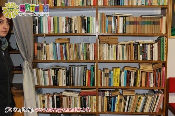 Adománykönyvek: Nagyon sok könyv gyűlt össze