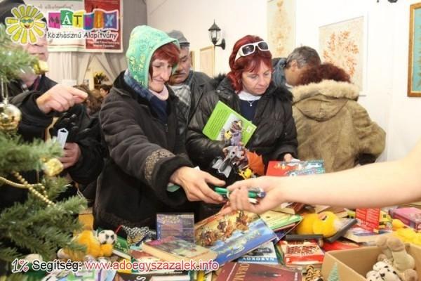 Ajándékválogatás a Mátrix Karácsonyi Ajándékbazárjában