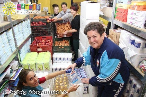 Az adó 1% felajánlások révén rendszeresen osztunk tartós élelmiszereket rászorulóknak